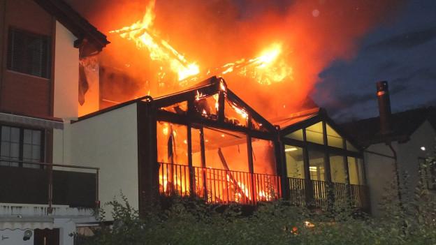 Nachbarn entdeckten den Brand.