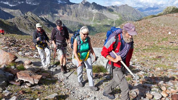 Eine Gruppe auf einer Bergwanderung