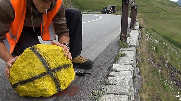 Forscher untersuchen, wie Steine zu Tal donnern.