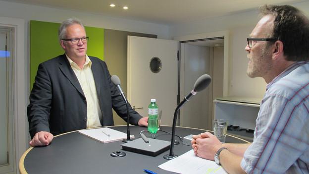 Patrik Müller vom Sozialamt SG im Gespräch mit Markus Wehrli