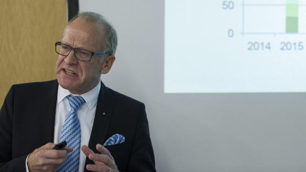 Finanzdirektor Martin Gehrer sieht Silberstreifen am Horizont
