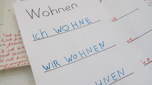 EIn Schulblatt mit Wörtern