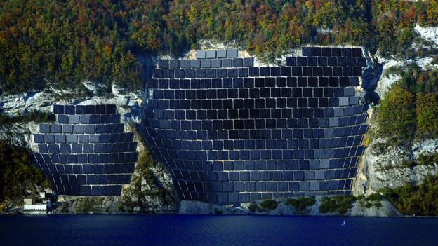 Am Walensee soll Solarstrom produziert werden.