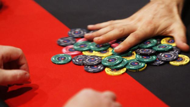 Weil ohne Einsatz gespielt wurde, waren die Brüder der Meinung, das Pokerturnier sei legal.