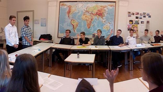 Kantischüler diskutieren über Erderwärmung