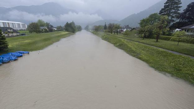 Fluss führt Hochwasser