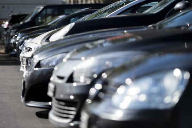 Glarus will die Gebühren im grossen Stil anpassen. Unter anderem für Autofahrer.