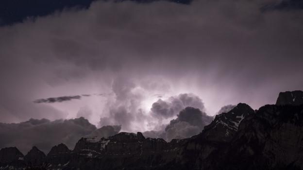 Wetterleuchten über dem Alpstein.