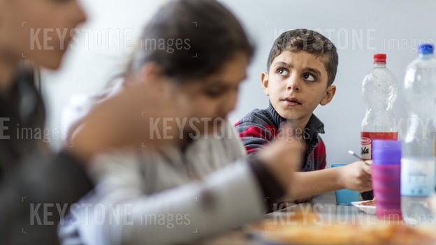Asylsuchende Kinder sollen besser betreut werden (Symbolbild)