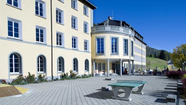 Die private Mittelschule Ftan: Das Gebäude soll die Gemeinde kaufen.