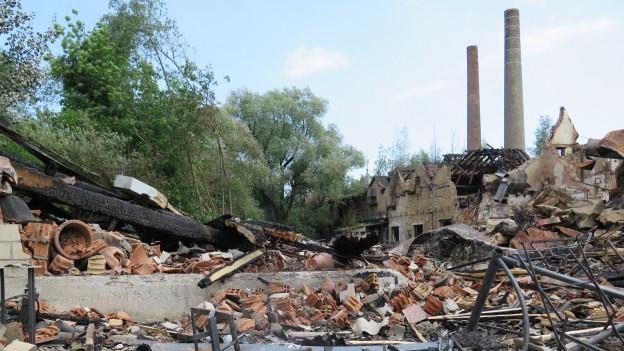 Der Tag nach dem Grossbrand: Das Areal liegt in Schutt und Asche.