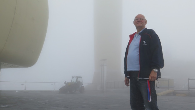 Willy Kobler im Nebel auf dem Säntisgipfel
