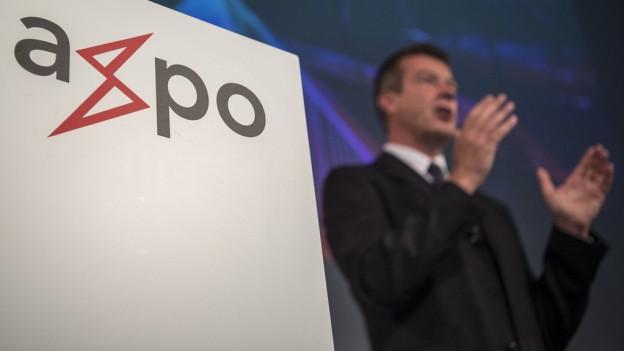 Axpo-Chef Andrew Walo gibt den Milliarden-Abschreiber bekannt