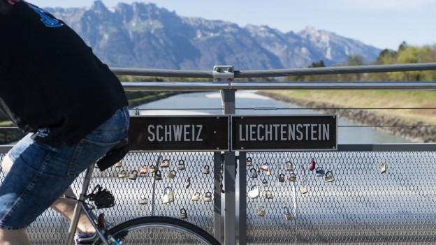 Die Grenzen sind im Rheintal für den öffentlichen Verkehr noch immer ein Hindernis.