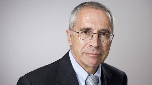 Alt Bundesrichter Michel Féraud ist damit beauftragt, die Vorwürfe zu untersuchen, welche die Sonntagszeitung bezüglich Behandlung von Asylsuchenden im Empfangs- und Verfahrenszentrum (EVZ) Kreuzlingen erhoben hat. Féraud wird seine Arbeit in den nächsten Tagen aufnehmen.