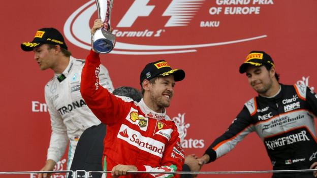 Sebastian Vettel am 19. Juni auf dem Podest in Baku/Aserbaidschan