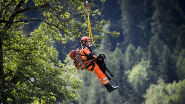 Acht Personen nach Bergsturz im Bergell vermisst