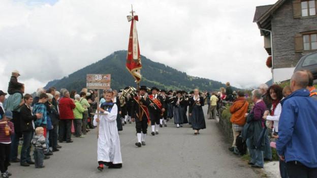 1500 Walser aus Italien, der Schweiz, dem Fürstentum und Österreich nahmen am Treffen teil.