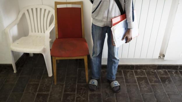 Wer die Verantwortung für Kinder übernimmt, die ohne Eltern in der Schweiz um Asyl fragen, wird verschieden geregelt.