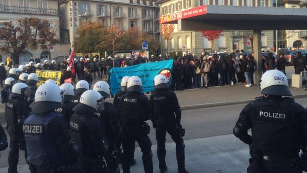 Die St.Galler Polizei im Einsatz in Rapperswil-Jona.