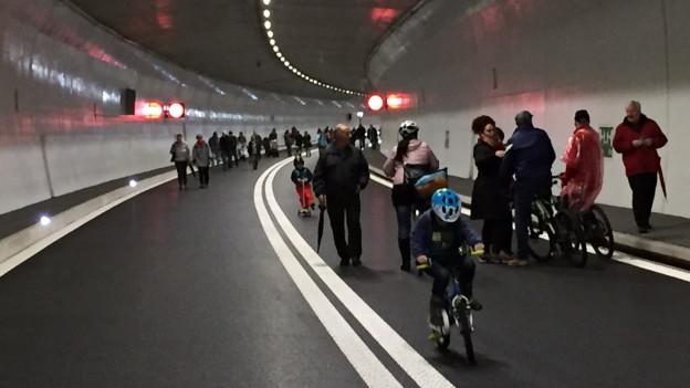 Roveredo feiert den neuen Tunnel