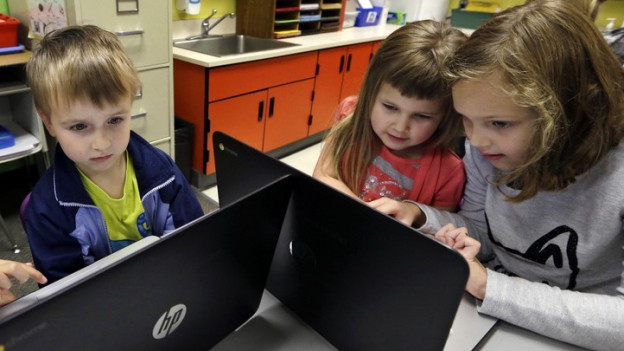 Der Kanton St. Gallen will, dass sich die Schüler schon früh mit Informatik beschäftigen.