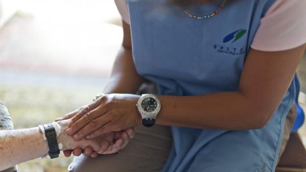 Glarner Regierung will Senioren länger zu Hause lassen