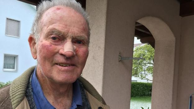 «Ich schneide den Schwanz mit dem Sackmesser ab. Das geht ratzfatz», sagt Bernhard Danuser.