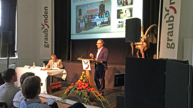 Stehend: Martin Vincenz, Geschäftsführer. Sitzend: Marcel Friberg, abtretender Präsident.
