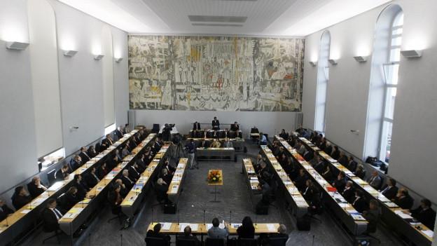 Und wie viele Sessionen braucht ein Kantonsparlament im Jahr?
