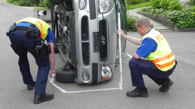 Auch sie bekommen keine generelle Lohnerhöhung: Thurgauer Polizisten bei der Arbeit.
