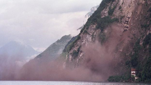 Steinschläge am Walensee