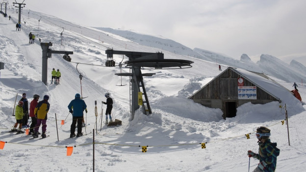 Die Wintersportorte hoffen auf umsatzstarke Festtage.