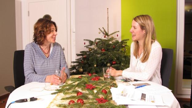 Rebecca Dütschler (rechts) im Gespräch mit Susanne Brunner.