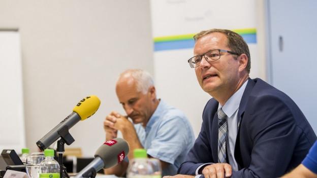 Der Thurgauer Regierungsrat Walter Schönholzer (rechts)