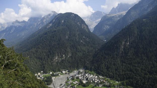 Erstmals sind heute Geologen bis ans Ende des Tals geflogen.