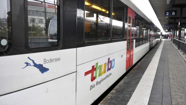 Regionalbahn ThurboBild in Lightbox öffnen. Bildlegende: Sechs Transportunternehmen im Tarifverbund Ostwind stehen hinter Fairtiq.