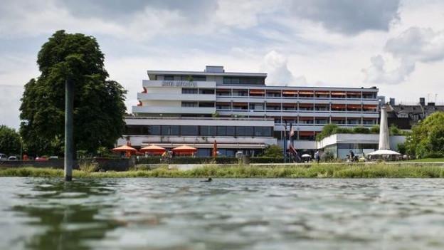 Das Hotel Metropol liegt direkt am See.