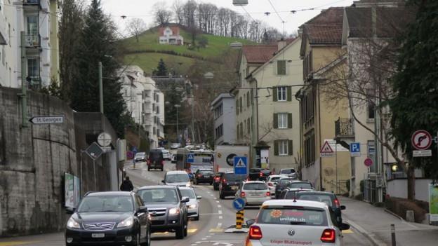 Viele Autos kommen aus dem Appenzellerland in die Stadt St. Gallen.