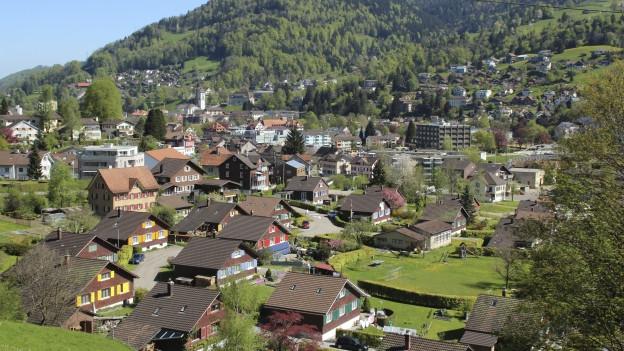 Die Aktion des Vereins Zentrum Wattwil heisst «Pimp dein Haus». Wer seine Fassade saniert soll 2'000 Franken Zustupf erhalten.