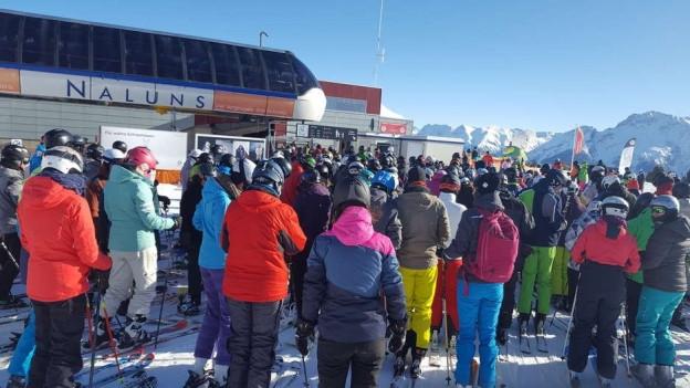 Den Skischulen gehen die Lehrer aus