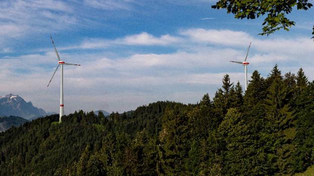 Die beiden Windräder – hier eine Bildmontage – sind im Gebiet Honegg-Oberfeld bei Oberegg geplant.