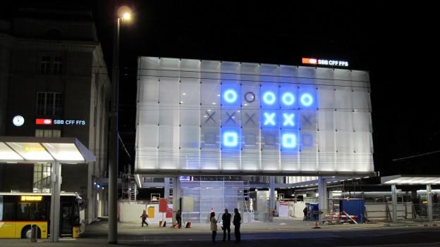 Blaue Leuchten am St. Galler Bahnhof
