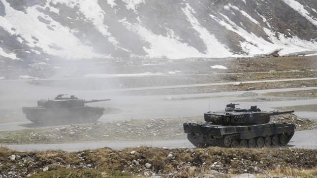 An der Volltruppenübung «Neptun 14» üben die Armeeangehörigen den Angriff und die Verteidigung in überbautem Gebiet.