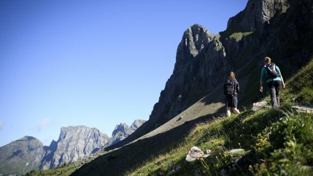 Wanderer auf dem Weg zum Alvier