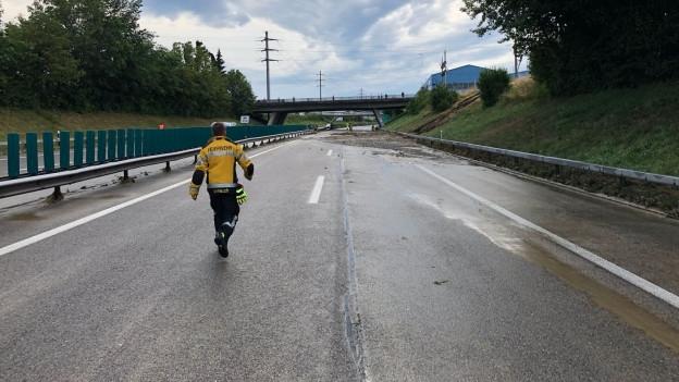 Die Autobahn A1 bei Wil wurde ein zweites Mal überschwemmt