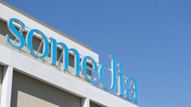 Somedia-Logo am Hauptsitz in Chur