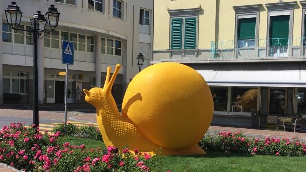 Skulptur, gelbe Schnecke