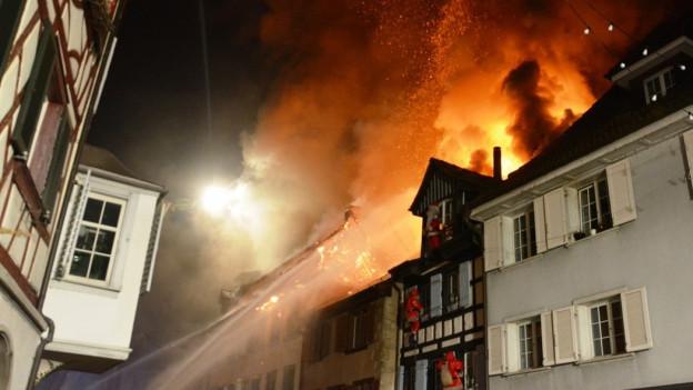 Brennende Häuser in der Altstadt von Steckborn.