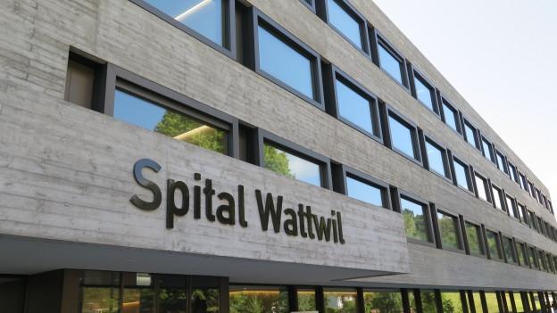 Neubau des Spitals Wattwil von aussen.
